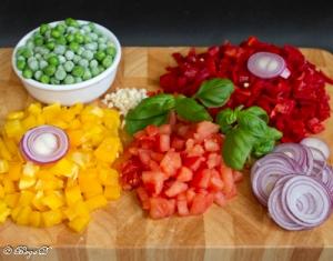 Gemüse-Rahm-Pfanne mit gebackenem Ei-1