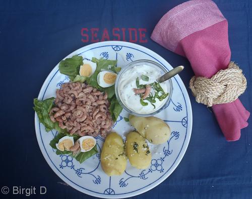 Nordseekrabben mit Avocado-Kräutercreme