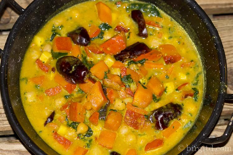 Orientalisches Curry mit Kürbis & Kiechererbsen